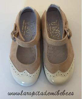 Zapato mercedita niña charol y ante Tinny Shoes.